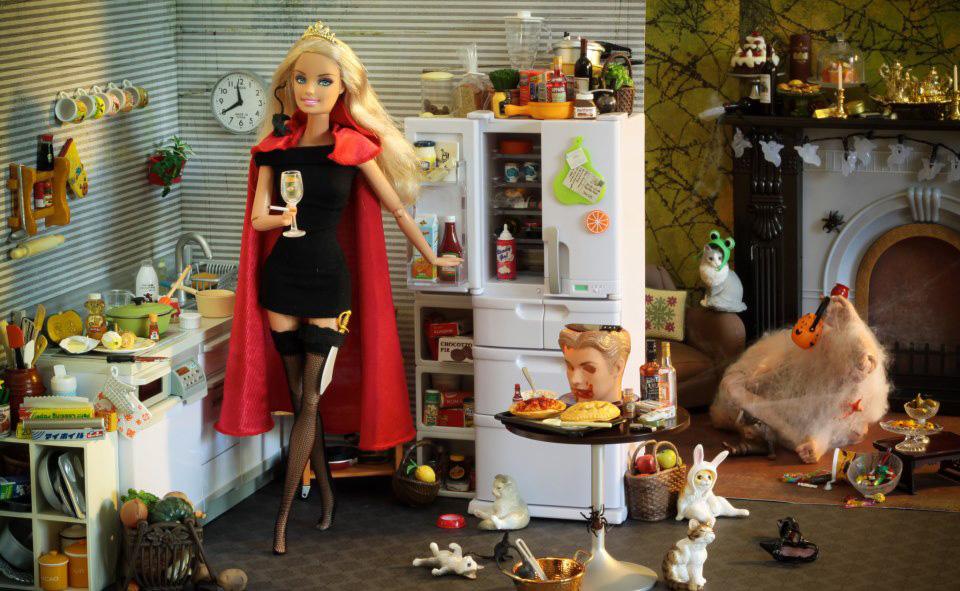 la-banane-qui-parle-Barbie-Mariel-Clayton-20