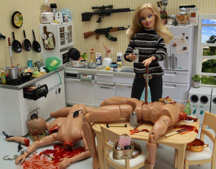 la-banane-qui-parle-Barbie-Mariel-Clayton-36