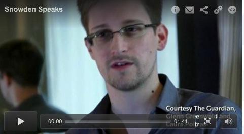la-banane-qui-parle-Snowden1