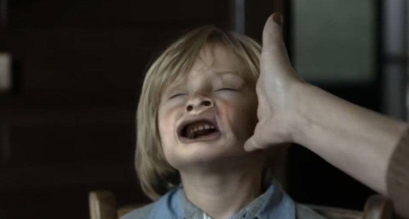 une-campagne-choc-vous-montre-limpact-traumatisant-dune-gifle-sur-votre-enfant2