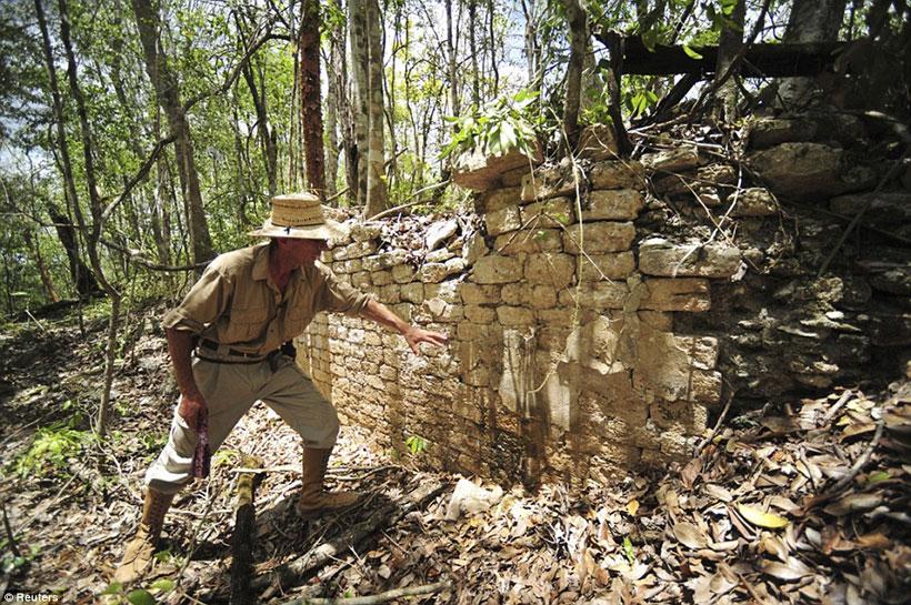 labananequiparle-archeologues-cite-maya-perdue-mexique-1
