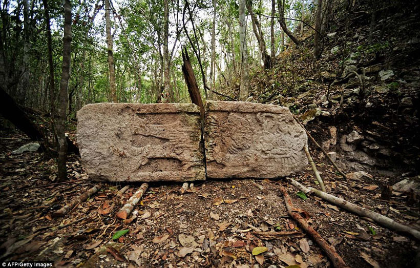 labananequiparle-archeologues-cite-maya-perdue-mexique-4