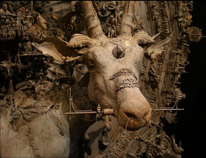 labananequiparle-objets-rue-sculptures-surrealistes-15