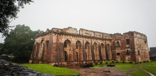 labananequiparle-Hindola-Mahal-mandu