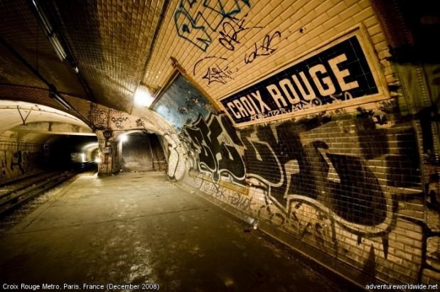labananequiparle-station-metro-paris-ferme