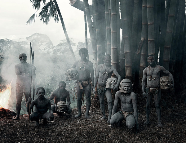 labananequiparle-Asaro (Indonésie et Papouasie-Nouvelle-Guinée)