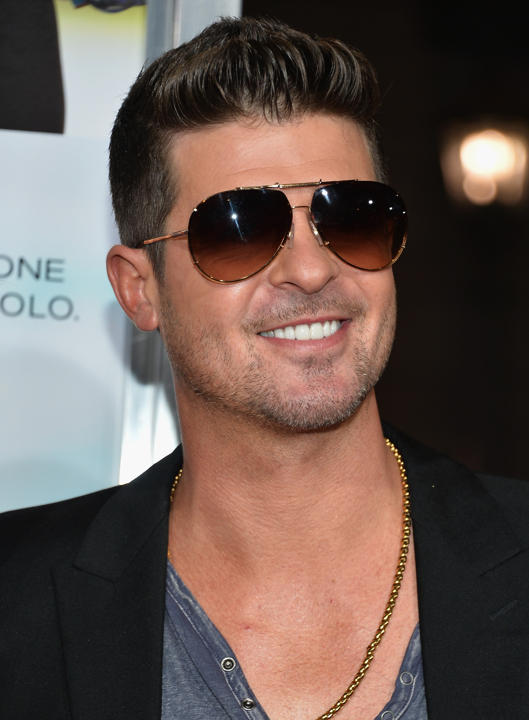 labananequiparle_Robin-Thicke