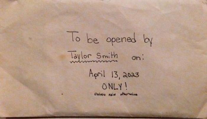 abananequiparle-apres-la-mort-de-la-leur-fille-de-12-ans-des-parents-trouvent-une-lettre-quelle-avait-ecrite1