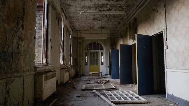 labananequiparle-asiles-abandonnes-Croydon-1