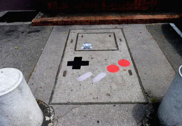 labananequiparle-Funny-Street-Art-game-boy