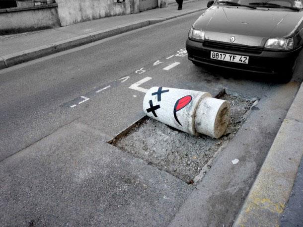 labananequiparle-Funny-Street-Art-plot