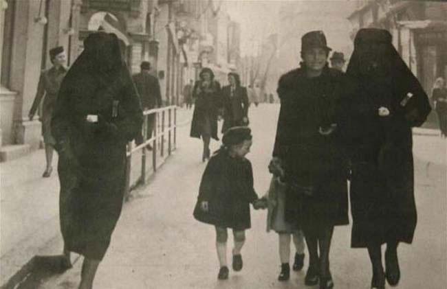 labananequiparle-femme-musulmane-couvre-etoile-juive