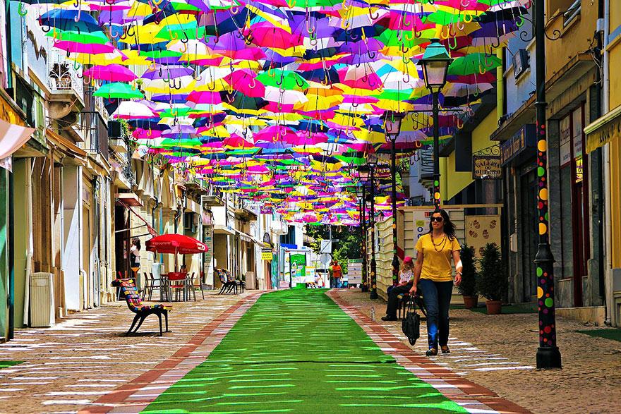 labananequiparle-unique-festivals-around-the-world-agitagueda-art-festival__880
