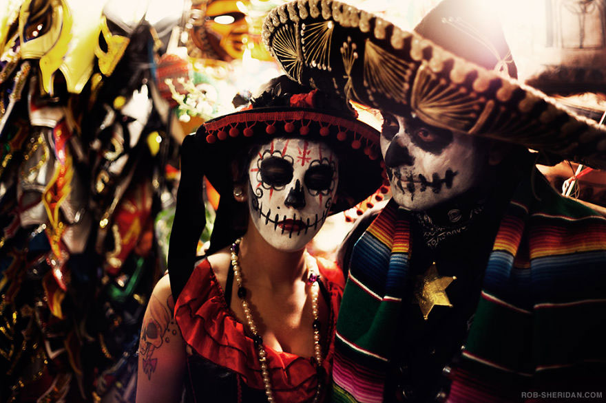 labananequiparle-unique-festivals-around-the-world-dia-de-los-muertos-rob-sheridan__880