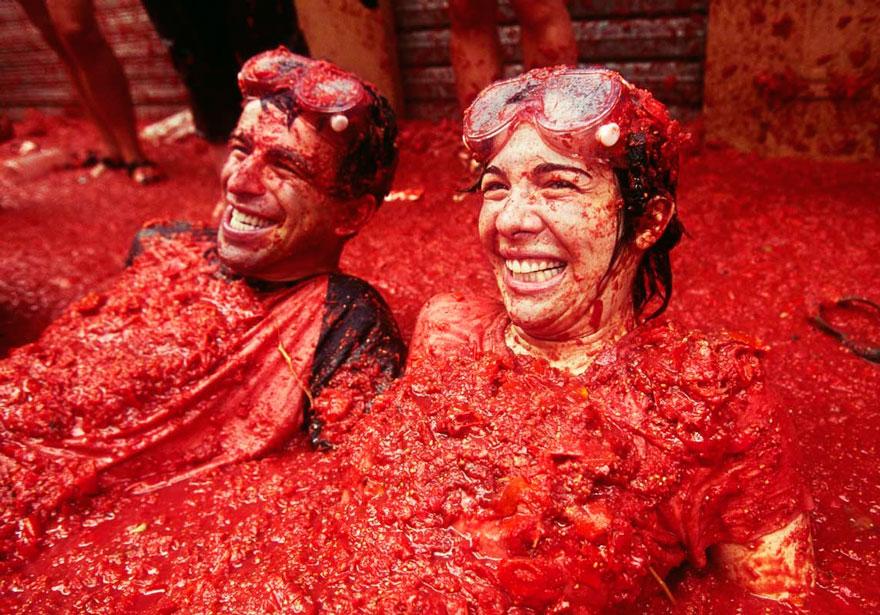 labananequiparle-unique-festivals-around-the-world-la-tomatina-3