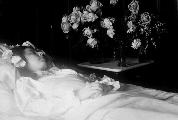 labananequiparle-tradition-lepoque-victorienne-photos-morts-27