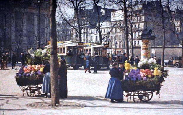 labananequiparle--rares-photos-de-paris-au-20e-siecle-refont-surface-en-couleur3