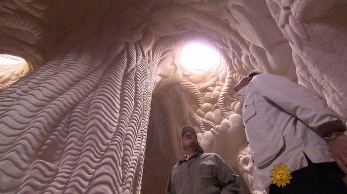 labananequiparle-paulette-cave-desert-2