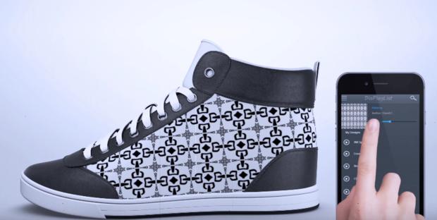 labananequiparle-shiftwear-chaussures-dont-vous-pouvez-changer-l-apparence-temps-reel-votre-smartphone_0