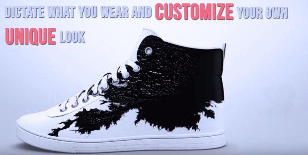 labananequiparle-shiftwear-chaussures-dont-vous-pouvez-changer-l-apparence-temps-reel-votre-smartphone_2
