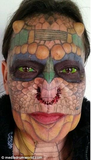 Un ancien banquier transgenre devient une femme dragon