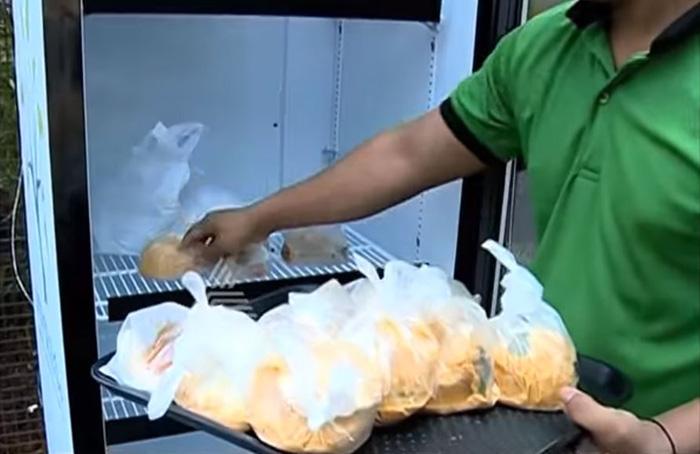 labananequiparle-frigo-public-pour-pauvres-3