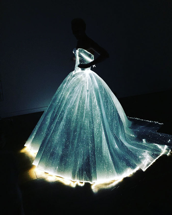 claire-danes-cinderella-glowing-dress-gown-met-gala-zac-posen-13