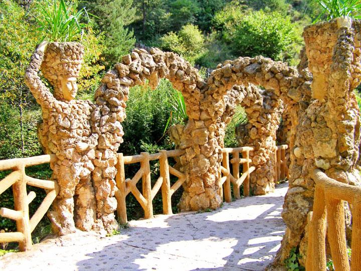 decouvrez-les-jardins-les-plus-etranges-et-les-plus-magnifiques-jardins-du-monde14